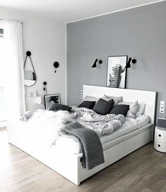 Simple Bedroom Decor, Bedroom Decor For Couples, Bedroom Rustic, Room Design Bedroom, Room Ideas Bedroom, Bedroom Interiors, Living Room Grey, Living Rooms, Minimalist Bedroom