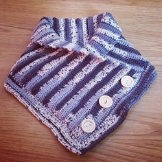 Neck Warmer with Buttons (February '17) #ninamarie_fi #crochet #crochetaddicted #handmade #buttons #virkkaus #virkkaushullu #novita #novitanalle