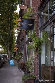 Capitol Hill food+drink | First look at Ernest Loves Agnes | CHS Capitol Hill Seattle