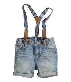 Baby boy shorts with suspenders Little Boy Fashion, Baby Boy Fashion, Fashion Kids, Toddler Fashion, Baby Boy Outfits, Kids Outfits, Short Bebe, Jeans, Denim Shorts