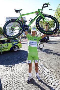 Peter Sagan (Liquigas-Cannondale) celebrates on the Champs-Élysées after a remarkable Tour de France debut.