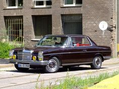 The coupe version of the Mercedes Benz Sports Car, Mercedes E Class Coupe, Mercedes W114, Mercedes 280, Classic Mercedes, Hot Cars, Motor, Cool Pictures, Classic Cars