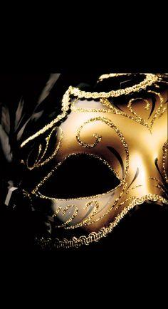 A Grande Masquerade- Luxurydotcom