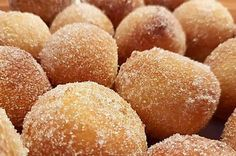 Quick quark balls within 15 minutes on the table of LK - Kuchen - Doughnut Recipes Cake Recipes For Kids, Donut Recipes, Healthy Dessert Recipes, Keto Donuts, Baked Donuts, Donuts Donuts, Churros, Dunkin Donut, Cookie Sandwich