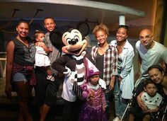 Curry fam in Disneyland!❤️❤️
