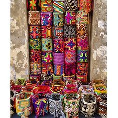 Colorful totes in a market in Cartagena, Colombia. Cartagena is a modern port city on Colombia's Caribbean coast. Ethno Design, Textiles, Tapestry Crochet, Handicraft, Bunt, Boho Decor, Fiber Art, Creations, Weaving