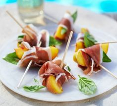 These super simple juicy bites are bursting with bold flavours - a perfect pre-dinner canapé or easy tapas dish More food recipe Ham & peach nibbles Tapas Recipes, Appetizer Recipes, Cooking Recipes, Healthy Recipes, Party Recipes, Dinner Recipes, Easy Canapes, Canapes Ideas, Tapas Ideas