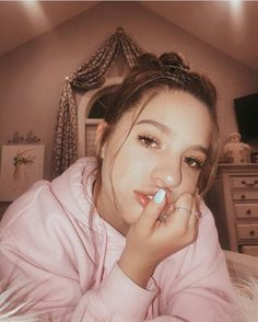 Mackenzie Ziegler, Maddie And Mackenzie, Maddie Ziegler, Dance Moms Dancers, Dance Moms Girls, Mack Z, Sister Pictures, Instagram And Snapchat, Famous Women