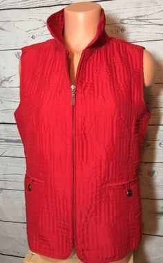 15.74$  Buy here - http://vivwl.justgood.pw/vig/item.php?t=jv1yqpz55312 - Christopher & Banks Women's Red Quilted Vest Sz M Medium Full Zip 15.74$