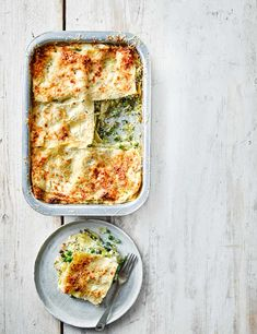Packed with plenty of fresh greens and a super crispy topping, this easy veggie lasagne is ready in just an hour