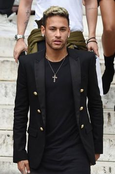 Neymar at the Balmain fashion show in Paris, September Neymar 2017, Neymar Psg, Neymar Football, Football Boys, Neymar Jr Wallpapers, Neymar Brazil, Lionel Messi, Football Players, Mens Fashion
