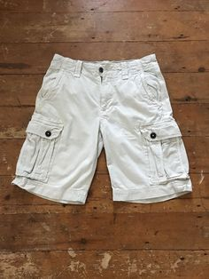 0be522a9 American Eagle Outfitters Men's Light Khaki Cargo Shorts. Classic Length  Size 30
