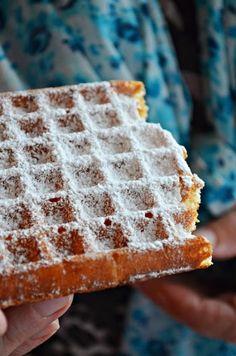 Gofry (najlepsze) - Kuchnia w zieleni Polish Desserts, Polish Recipes, Sweets Cake, Best Dishes, Breakfast Time, Kids Meals, Sweet Recipes, Delicious Desserts, Cravings