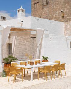 Allorro 210 è un tavolo da giardino allungabile 210/280 cm con struttura in alluminio verniciato