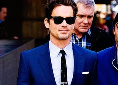 matt bomer in raybans and a spiffy skinny tie!