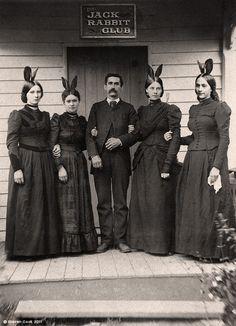 sadburro:    Grandpa Hefner  Very cool alternate history photos fromSteve Cook's Alternity