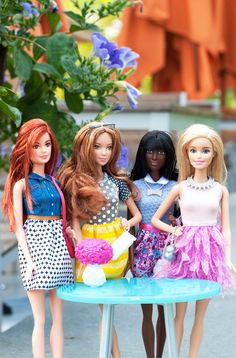 Barbie Fashionistas gather for a glam weekend brunch to share stories and show off their latest accessories. [ad]  ==
