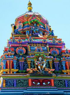 Incredible Hindu Temple in India- just look at those colours!