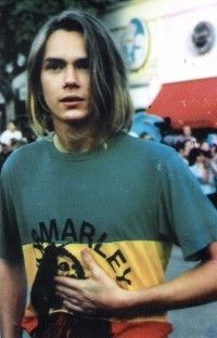 River Phoenix wearing his Bob Marley t-shirt