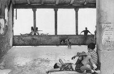 Simiane la Rotonde (1970). Fotografía de Henri Cartier-Bresson.