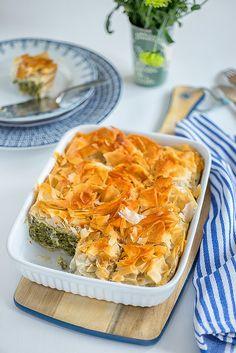 Easy Greek spanakopita (spinach pie) | supergolden bakes