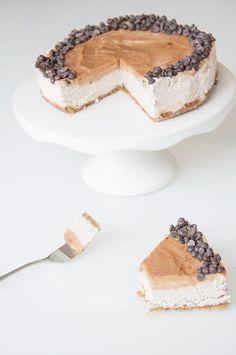 Vegan Caramel Cheesecake Recipe | VeganFamilyRecipes.com | #dessert #no gluten #no bake #coconut #pie