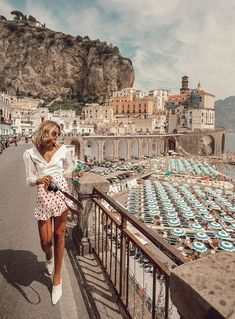 Thinking about planning a trip to the Amalfi Coast? I would definitely recommend spending some time around Positano with the stunning beache. Wanderlust Travel, Travel Pictures, Travel Photos, Europe Photos, Places To Travel, Travel Destinations, Montecarlo Monaco, Italy Outfits, Reisen In Europa