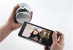 A camera that lets you remove the lens and still take pictures? Crazy concept! I wonder if it will be expensive.