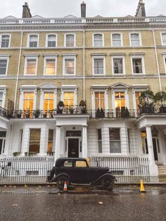 Things To Do In Kensington, London: From Pretty Streets To Hidden Gems Kensington Palace Gardens, Kensington House, Kensington London, London Townhouse, London Apartment, London House, London Street, Apartments In London, London Eye