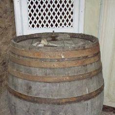 Vecchia Botte in preparazione per diventare una bellissima cantina per vini Wine House