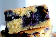 blueberry traybake
