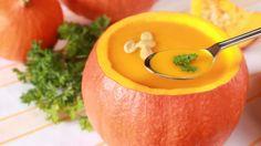 """""""Ob klein, groß, grün, gelb oder orange – die Kürbis-Saison im Herbst bietet nicht nur einen optischen Hingucker, sondern auch ein kulinarisches Highlight. Die vielfältigen Verarbeitungsmöglichkeiten machen die Frucht zu einem Must-Have für Feinschmecker."""