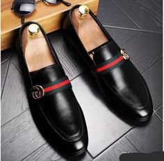 Casual GUCCI Leather Loafers – Boss Styles Co Gucci Leather Shoes, Gucci Dress Shoes, Mens Leather Loafers, Casual Leather Shoes, Gucci Loafers, Loafers Men, Loafers Outfit, Mens Fashion Shoes, Sneakers Fashion