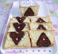 Cake with chocolate heart inside by truedelights Dessert Cake Recipes, Cookie Desserts, Dessert Ideas, Surprise Inside Cake, Valentines Day Food, Chocolate Hearts, Pastry And Bakery, Just Cakes, Cupcake Cakes