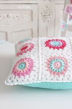 Crochet Patterns Pillow Cushion - Beautiful crochet pillow - a unique product by bleuetrose at DaW . Crochet Cushion Cover, Crochet Pillow Pattern, Crochet Cushions, Granny Square Crochet Pattern, Crochet Squares, Crochet Granny, Crochet Motif, Cushion Covers, Granny Squares