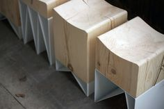 Tabouret IZLOM bois métal par Studio Svoya