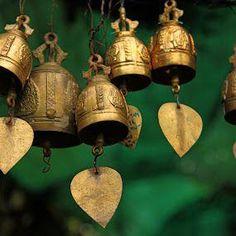 Buddhist Bells - Google Search #bellgardens Feng Shui, Temple Bells, Ring My Bell, Prayer Flags, Ding Dong, Motif Floral, Garden Gifts, Gold Christmas, Lights