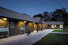 Timber stable yard from Scotts of Thrapston, designed to suit the customers requirements. Dream Stables, Dream Barn, Horse Stables, Horse Farms, Barn Stalls, Horse Barn Plans, American Barn, Self Build Houses, Tallit