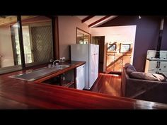 Tiny House World: Comfort in the Australian Countryside | FYI - YouTube