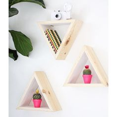 DIY Wall Shelf Triangular Wooden Shelves Flower Pots Flowers Plant Staples Photo Frame - The Home Decor Trends Diy Wall Shelves, Wooden Shelves, Hanging Shelves, Kitchen Shelves, Hanging Lights, Home Decor Bedroom, Diy Room Decor, Wall Decor, Diy Casa
