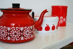 Red & White - Finel Punahilkka Coffee Pot