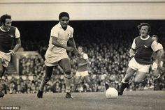Arsenal v Benfica, George Graham, Eusebio, Ray Kennedy,Geordie Armstrong.