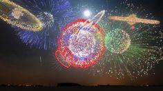 New Years 2013 - Synchronized Epic Music (Heart of Courage) -   Eh bien, voilà les dernières innovations dans la production de feu d'artifices !  Regardez, c'est court mais tellement incroyable et beau !