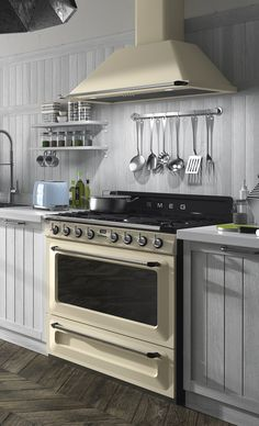 Smeg Cream Victoria Cooker and Hood