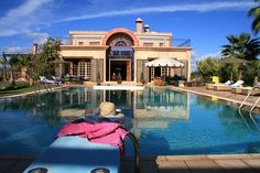 Marraquexe : Villa Casa Taos Villa, Marrakesh, Skiing, The Outsiders, Tours, Mansions, House Styles, World, Compass