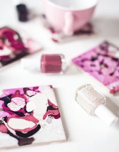 5 Diy à réaliser le week end - Black Confetti Idee Diy, Creations, Week End, Dyi, Confetti, Gift Ideas, Home Made, Marble Coasters, Diy Xmas Gifts