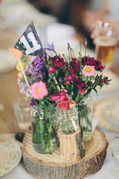 EM + TOM // #flowers #wedding #style #colour #numbers #wood #inspiration