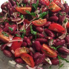 10 secrete din farfuria plina de boabe rosii, gustoase