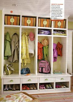Mudroom Cubbies - Design photos, ideas and inspiration. Amazing gallery of interior design and decorating ideas of Mudroom Cubbies in laundry/mudrooms, kitchens by elite interior designers. Easy Diy Projects, Home Projects, Garderobe Design, Garage Organization Tips, Entryway Organization, Mudroom Organizer, Organized Entryway, Entryway Ideas, Organizing Ideas
