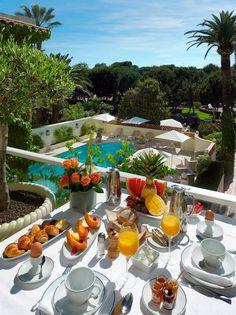 alfresco dining in the tropics Hotel Breakfast, Breakfast Time, Romantic Breakfast, Breakfast Around The World, Breakfast Of Champions, Tropical Paradise, Luxury Travel, Luxury Food, Luxury Life
